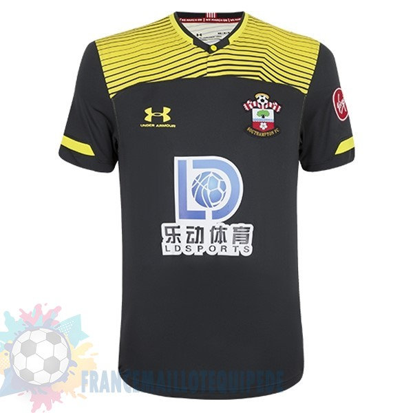 Magasin De Foot Under Armour Exterieur Maillot Southampton 2019 2020 Noir Jaune